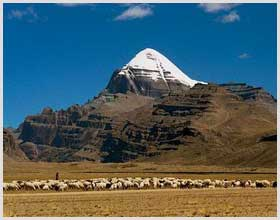 Mt. Kailash 18-day cruise and trekking tour