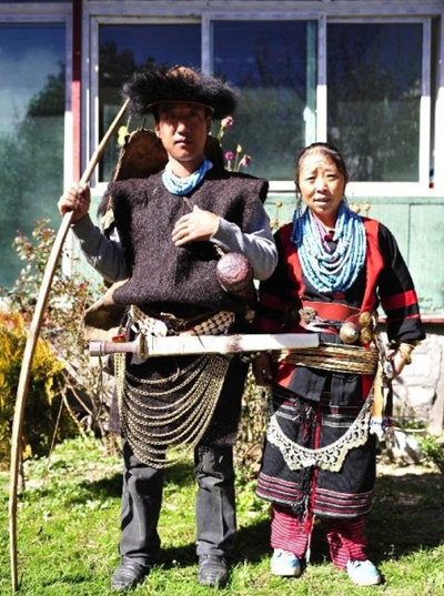 lhunze guys While other minorities consider their men and women as equal, the yi follow strict gender norms women are devoted to spinning and weaving, while men are the only ones who can felt women are devoted to spinning and weaving, while men.